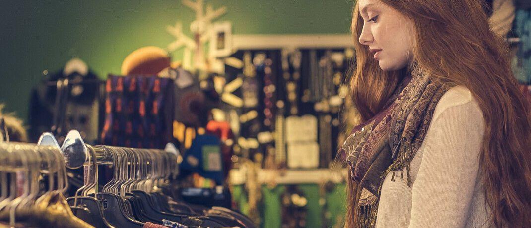 Kundin in einer Boutique: Inhaber kleiner Geschäfte haben oft nur die eigene Familie als Arbeitnehmer.|© Pexels