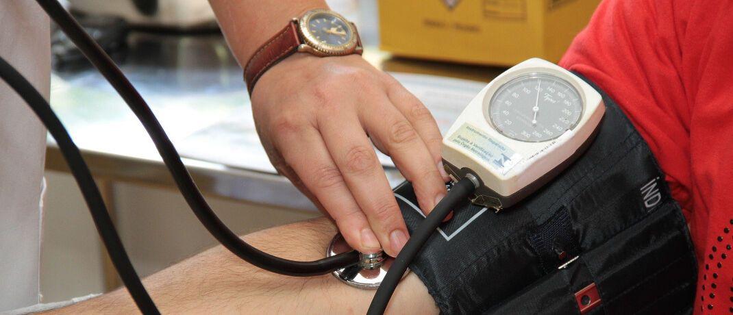 Blutdruckmessen: Den Gesundheitszustand der privaten Krankenversicherer hierzulande untersuchte jetzt wieder das unabhängige Institut für Vorsorge und Finanzplanung (IVFP) mit Hauptsitz in Altenstadt.|© Pixabay