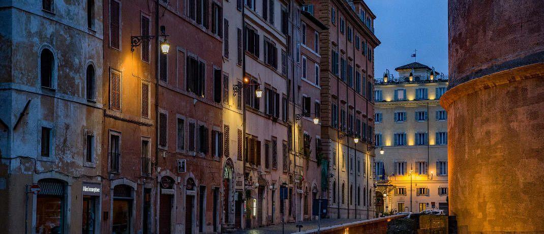 Häuserfront in Rom: Deutschland legt Geld bei Banken in Italien an.