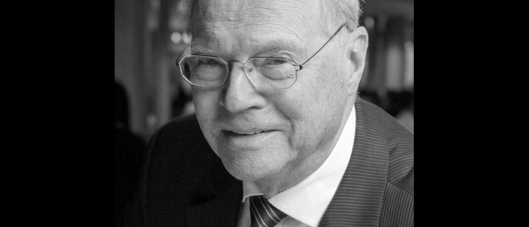 Bernd Michaels: Der elfte Präsident des Gesamtverbands der deutschen Versicherungswirtschaft (GDV) verstarb am 23. Dezember 2019 im Alter von 83 Jahren. In seine zehnjährige Amtszeit fällt die Gründung des Vereins Versicherungsombudsmann, dessen Vorstandsvorsitz er bis 2008 innehatte.|© VöV
