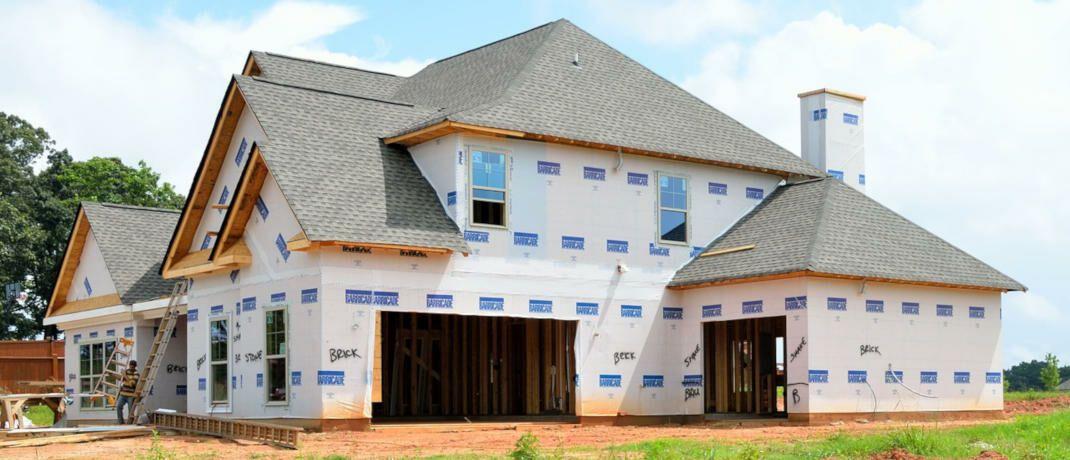 Das Haus ist noch nicht einmal fertig, schon will der Staat seinen Anteil am Kaufpreis haben. Nämlich über die Grunderwerbssteuer.|© Paul Brennan / Pixabay