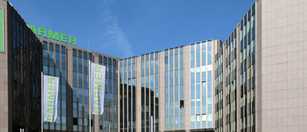 Barmer-Hauptverwaltung in Wuppertal: Die mit 9,1 Millionen Versicherten zweitgrößte Krankenkasse Deutschlands soll jahrelang heimlich ärztliche Diagnose-Daten verändert haben, um mehr Geld aus dem staatlichen Gesundheitsfonds zu erhalten, berichtet Business Insider Deutschland. © BARMER