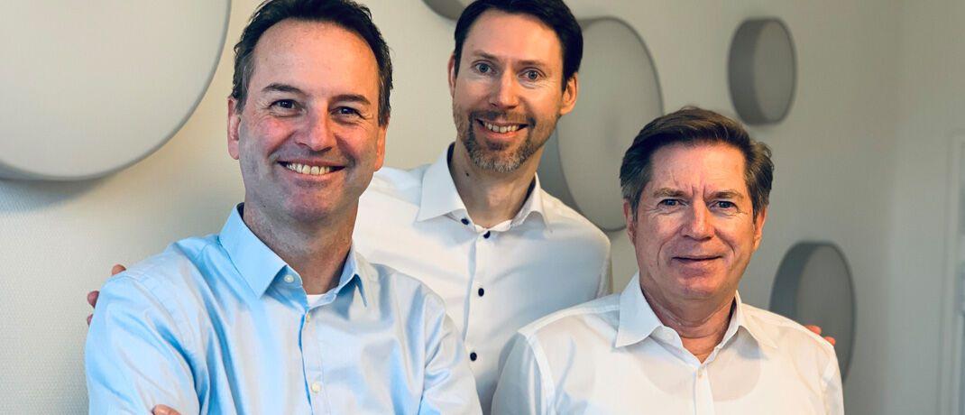 Bilden den Vorstand des Unternehmens: Neuzugang Stefan Schneider (l.), der langjährige Geschäftsführer Pierre Girardet (M.) und Axxion-Gründer Thomas Amend. |© Axxion