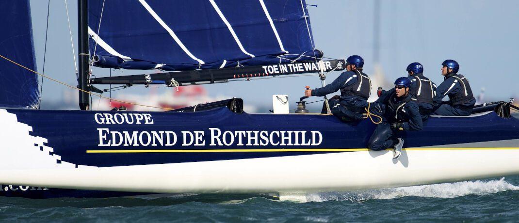 Von Edmond de Rothschild gesponsorter Segler: Der EdR Emerging Bonds setzt auf Risiko-Anleihen.