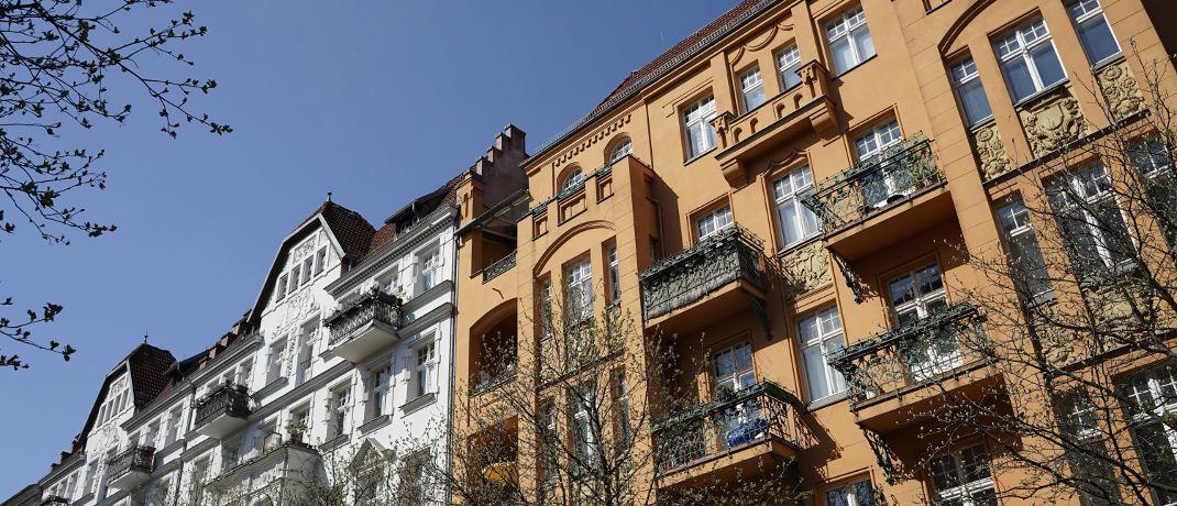 Altbauten im Berliner Stadtteil Prenzlauer Berg: In den Großstädten schwächt sich das Bevölkerungswachstum ab.|© imago images / STPP