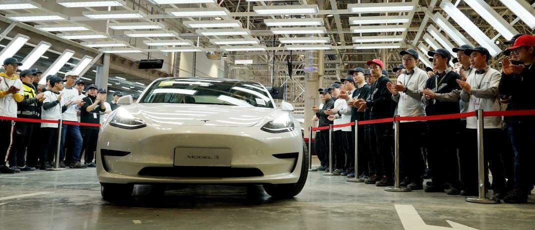 Eröffnung der Tesla-Gigafactory in Shanghai: Die im Kampf gegen die weitere Ausbreitung des Coronavirus ergriffenen Maßnahmen sind strenger als bei SARS und könnten die Wirtschaftsaktivität stärker bremsen.