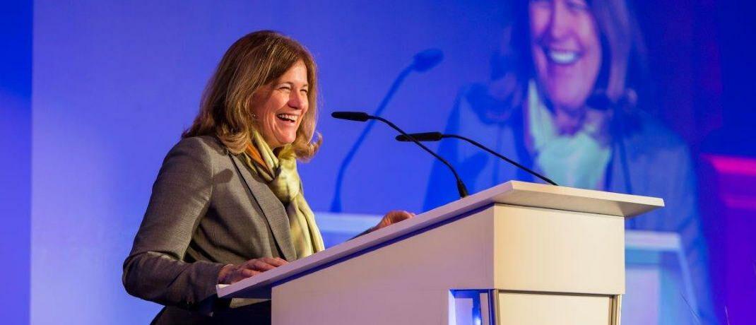 Die heutige Franklin-Templeton-Chefin Jenny Johnson auf einer Firmenveranstaltung in Frankfurt.|© Franklin Templeton