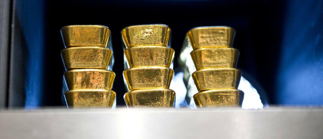Goldbarren im Tresor: Das Edelmetall ist eine Versicherung für Anleger, sagt Portfoliomanager Leopold Zellwecker.|© imago images / photothek