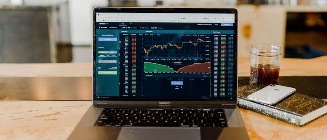 Ob privat oder als Arbeitnehmer: Börsenhändlern bieten sich heute vielfältige Betätigungen.|© Unsplash.com
