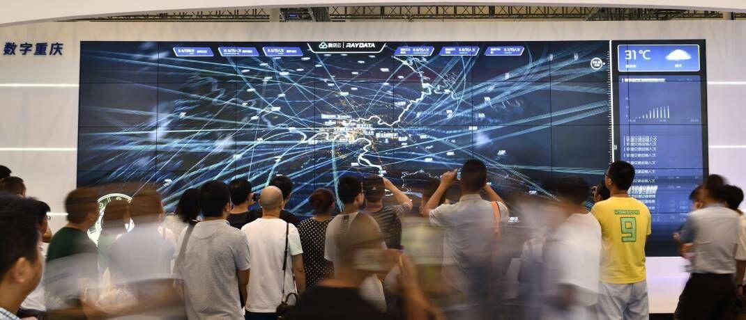 Tencent-Stand auf der Sportrechte-Messe Sportel Asia: Der chinesische Technologiekonzern zählt zu den 7.500 Titel in die die BlackRock Managed Index Portfolios derzeit investieren.|© imago images / VCG