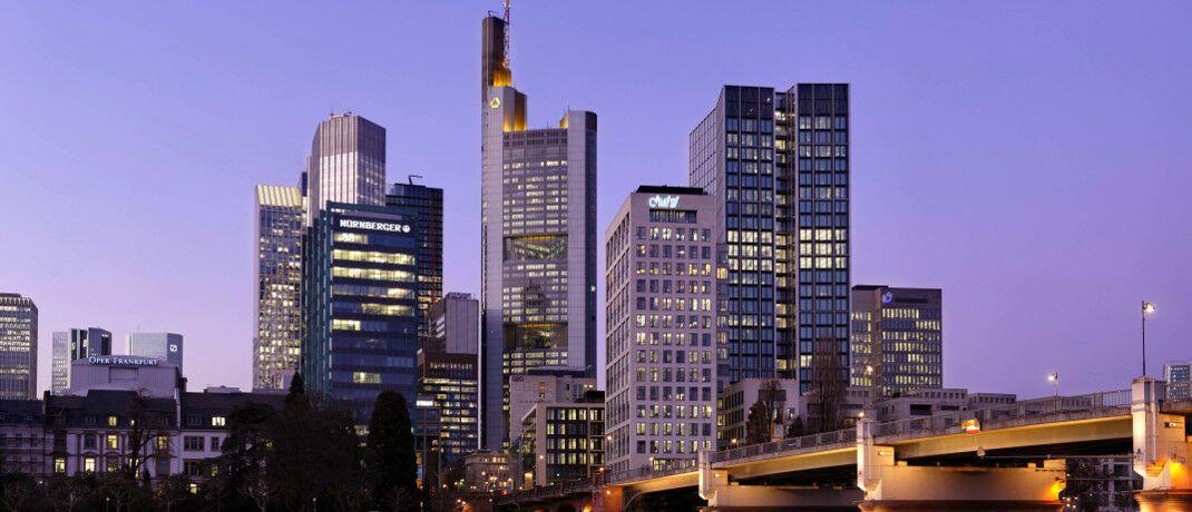 Frankfurt am Main, wo die DFV ihren Hauptsitz hat: In den 500 Euro für das Vorstellungsgespräch sind die Reisekosten bereits enthalten. © imago images / Rainer Unkel