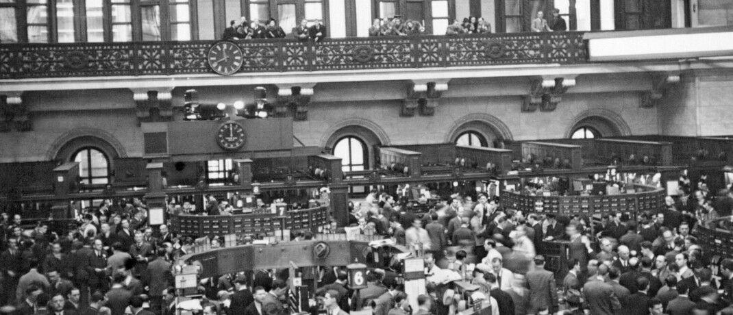 Die Räume der New York Stock Exchange im Jahr 1936: Mit Aktien ließen sich im vergangenen Jahrhundert trotz Krisen und Börsenabstürzen im Schnitt gute Renditen erzielen.|© imago images / UIG