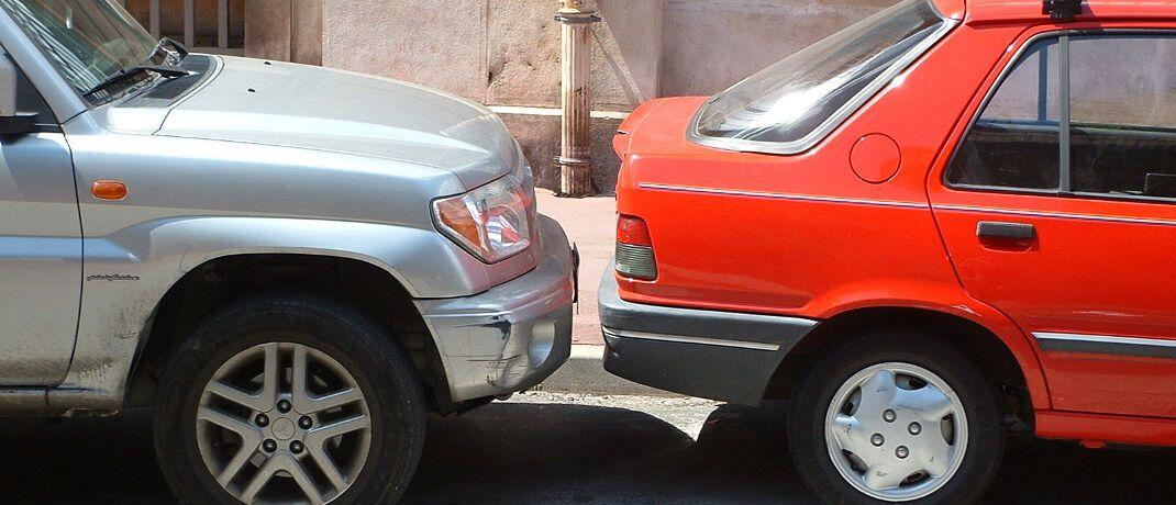 Parkplatz: In seinem aktuellen Beschluss weist das OLG Braunschweig auf die Pflichten von Versicherten nach einem Unfall hin.|© olga meier-sander / <a href='http://www.pixelio.de/' target='_blank'>pixelio.de</a>