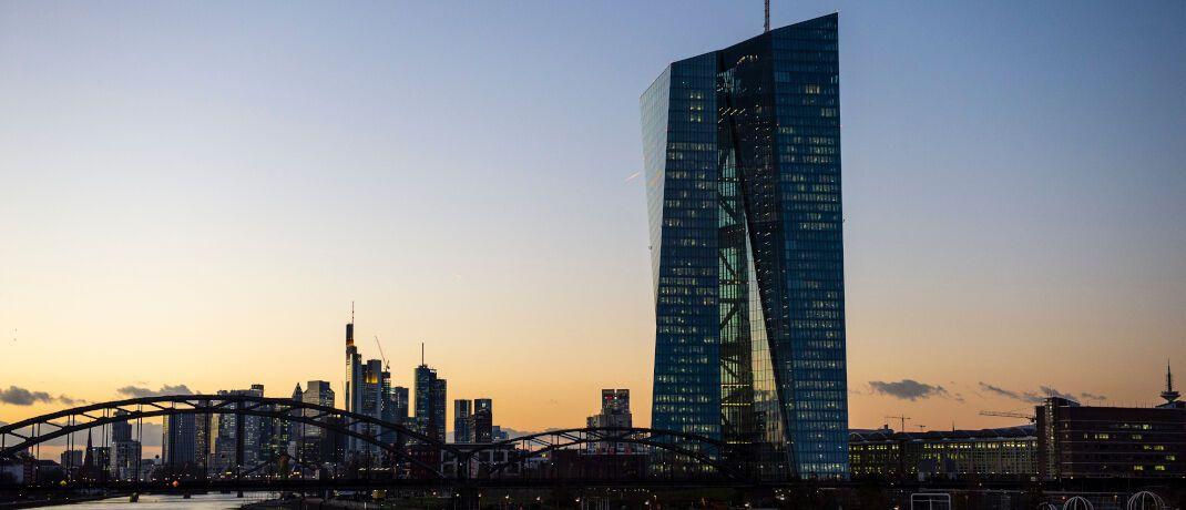 Die Zinspolitik der EZB hat dafür gesorgt, dass Banken ihr Geschäftsmodell überdenken müssen