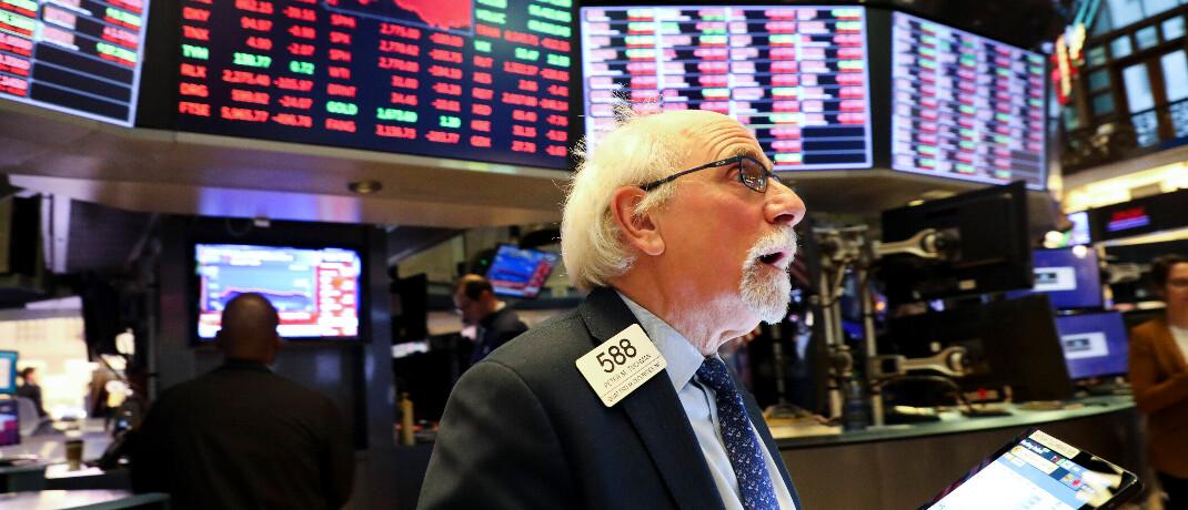 Händler an der New Yorker Börse am Montag: Die Aktienmärkte rund um den Globus haben deutlich verloren.|© imago images / Xinhua