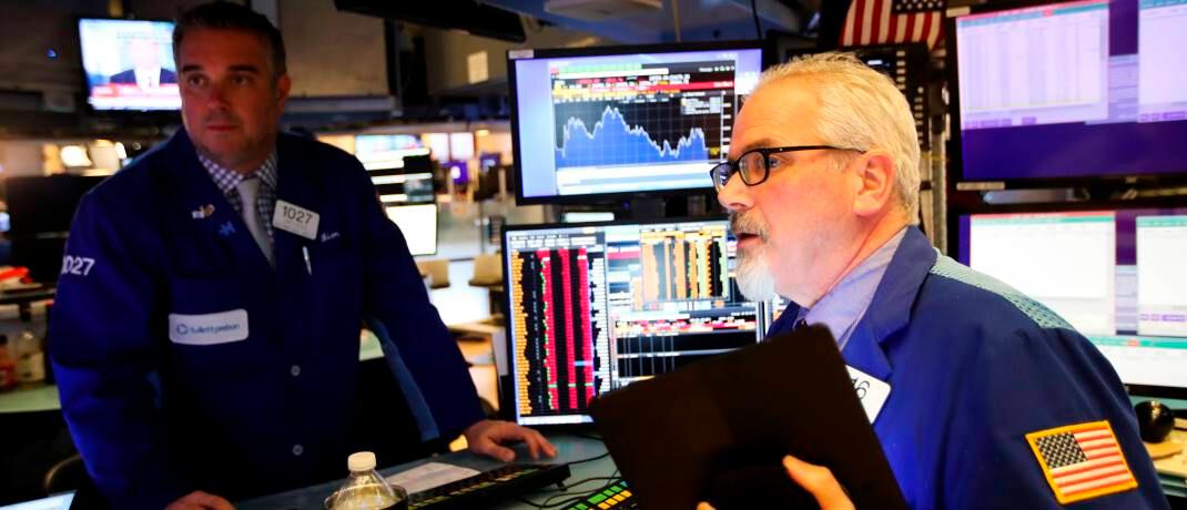 Börsenhändler in New York: Die starken Schwankungen verunsichern viele Menschen, auch Profi-Anleger.|© imago images / Xinhua