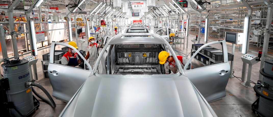 In Chinas Fabriken wird die Produktion wieder aufgenommen: Die Risikoprämien für Aktien relativ zu Anleihen erscheinen mit Blick auf einen längerfristigen Investmenthorizont als chancenreich. © imago images / Xinhua