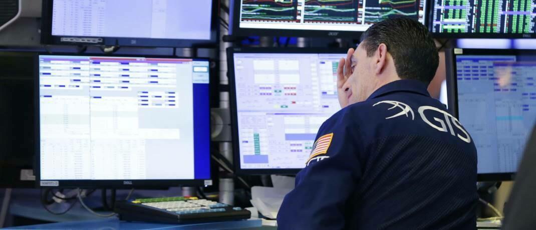 Aktienhändler an der New Yorker Börse: Marktkorrekturen sind in der Geschichte der Finanzmärkte eine Routineerscheinung, tun aber dennoch weh.|© imago images / UPI Photo