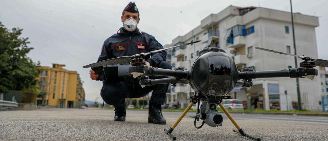 Drohneneinsatz in Italien: Die Corona-Pandemie hält weite Teile der Welt in Atem|© imago images / ZUMA Wire