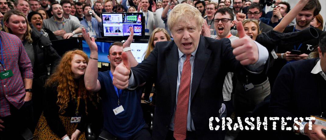 Erdrutschsieg bei den jüngsten Parlamentswahlen: Großbritanniens Premier Boris Johnson im Kreis seiner Anhänger|© imago images/Andrew Parsons