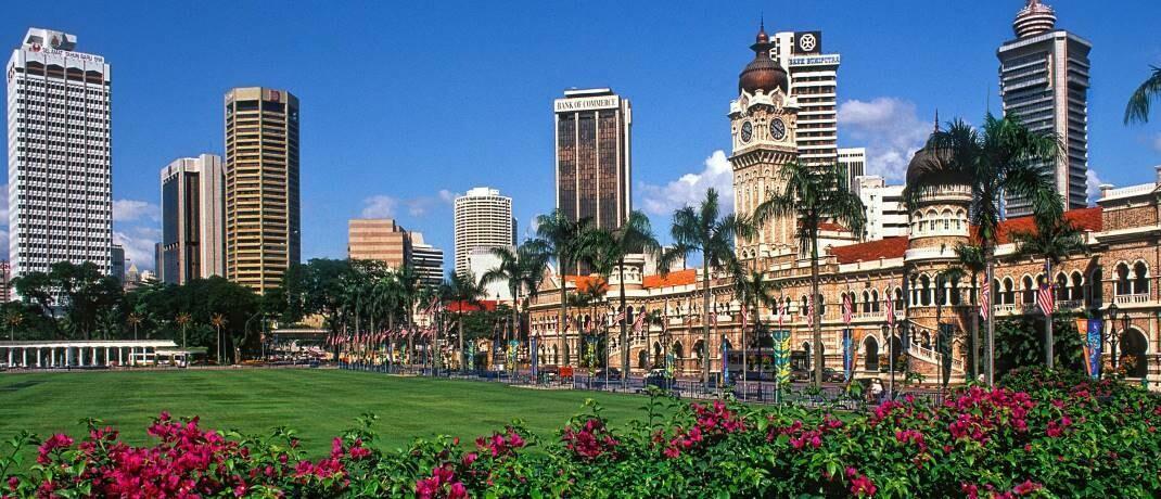 Skyline von Kuala Lumpur in Malaysia: Schwellenländeranleihen in Lokalwährungen sehen vielversprechend aus.|© imago images / blickwinkel