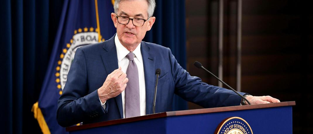 US-Notenbankchef Jerome Powell am 3. März 2020, kurz nachdem er den Leitzins kräftig senkte.|© imago images / UPI Photo / Kevin Dietsch