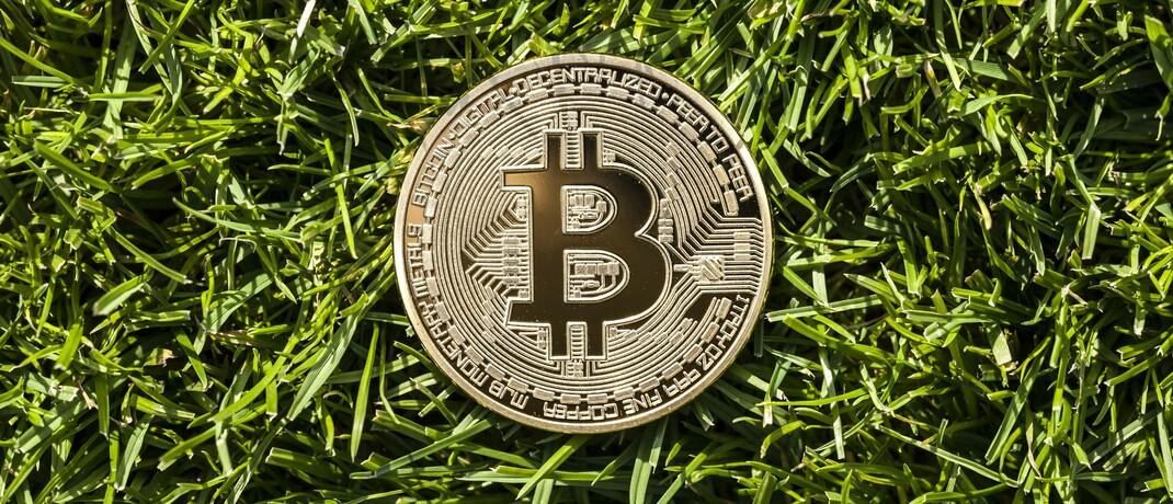 Symbolbild eines Bitcoin: DAS-INVESTMENT-Leser mögen offenbar Kryptowährungen.|© imago images / STPP
