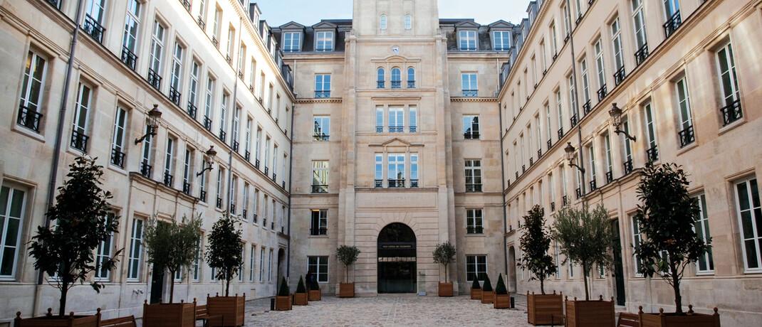 Sitz der Wertpapieraufsicht Esma in Paris: In der EU sollen jetzt einheitliche Regeln für die sogenannte Performance Fee gelten. © Chappe
