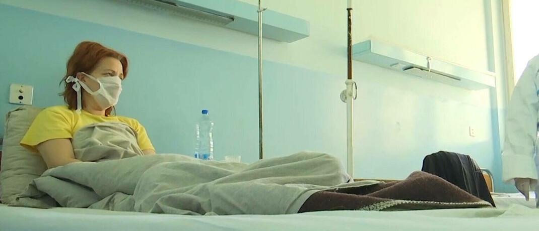 Corona-Patientin im Krankenhaus: Frauen fürchten sich stärker vor Covid-19 als Männer.|© imago images / ITAR-TASS