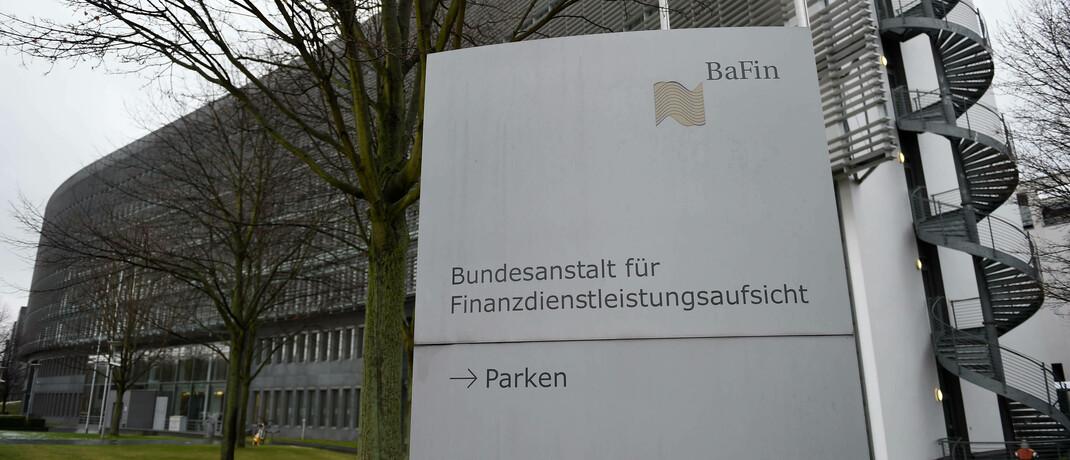 Bundesanstalt für Finanzdienstleistungsaufsicht (Bafin) in Frankfurt: Die Aufsichtsbehörde soll ab 2021 auch Finanzanlagenvermittler und Honorar-Finanzanlagenberater kontrollieren. © imago images / brennweiteffm