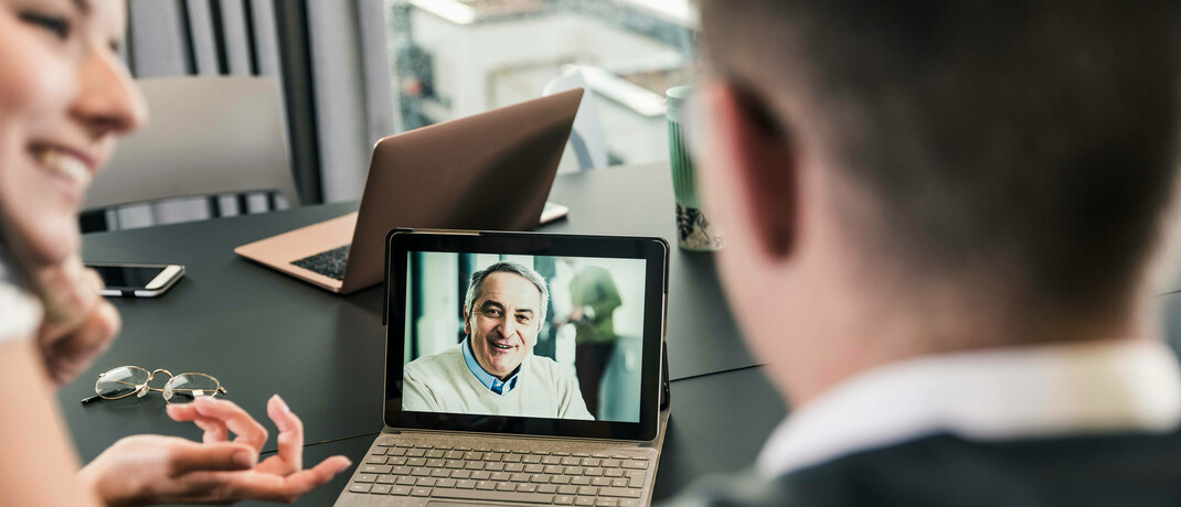 Video-Telefonat: Die digitale Kommunikation erlebt im Rahmen der Kontaktbeschränkungen in der Corona-Krise einen Boom.|© imago images / Westend61