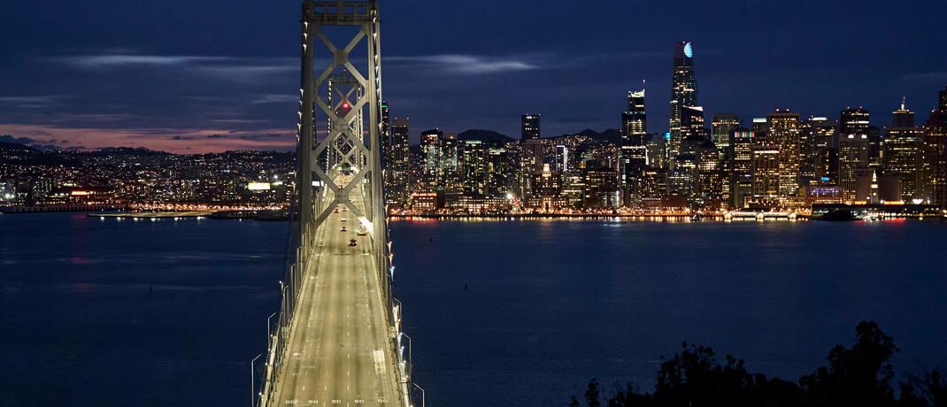 Bay Bridge zwischen San Francisco und Oakland: Das in der Bay Area gelegene Silicon Valley beheimatet besonders viele mit Risikokapital finanzierte Unternehmen.|© imago images / ZUMA Wire