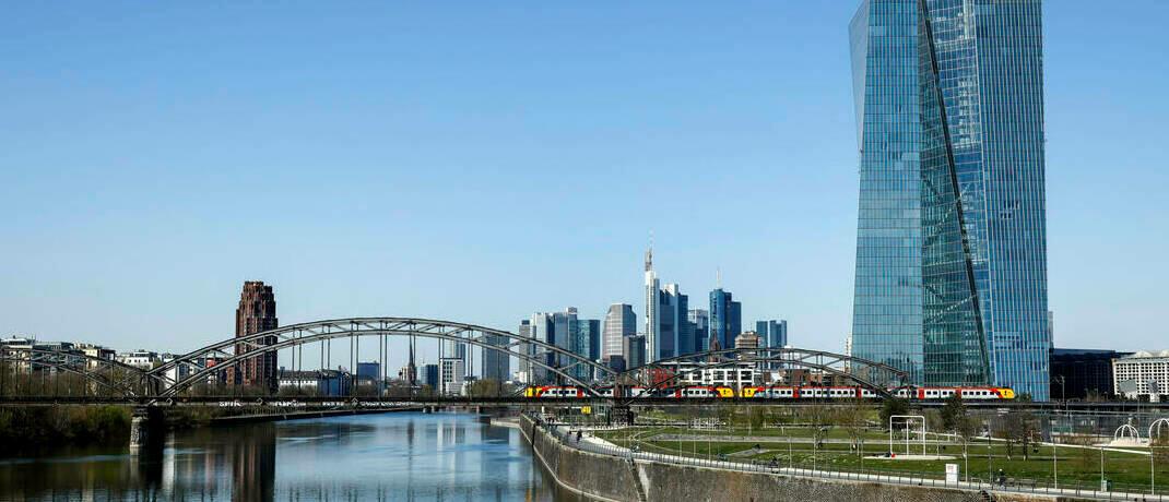 Skyline von Frankfurt: Die EZB dürfte ihr Engagement trotz des jüngsten BVG-Urteils verstärken, glaubt Mark Dowding.