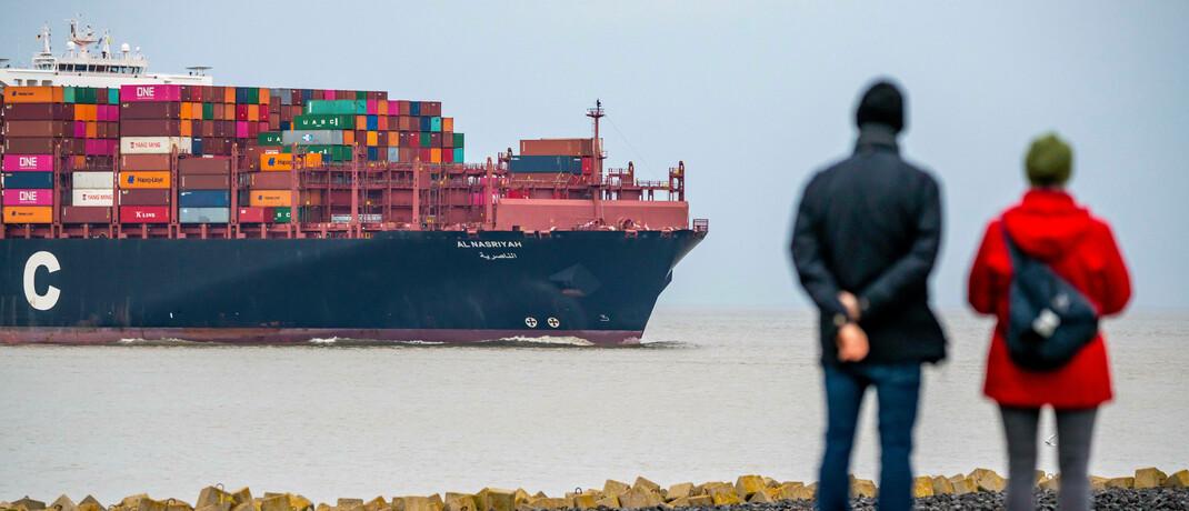 Containerschiff vor Cuxhaven: Ist die Globalisierung Teil der Lösung oder Ursache des Problems.
