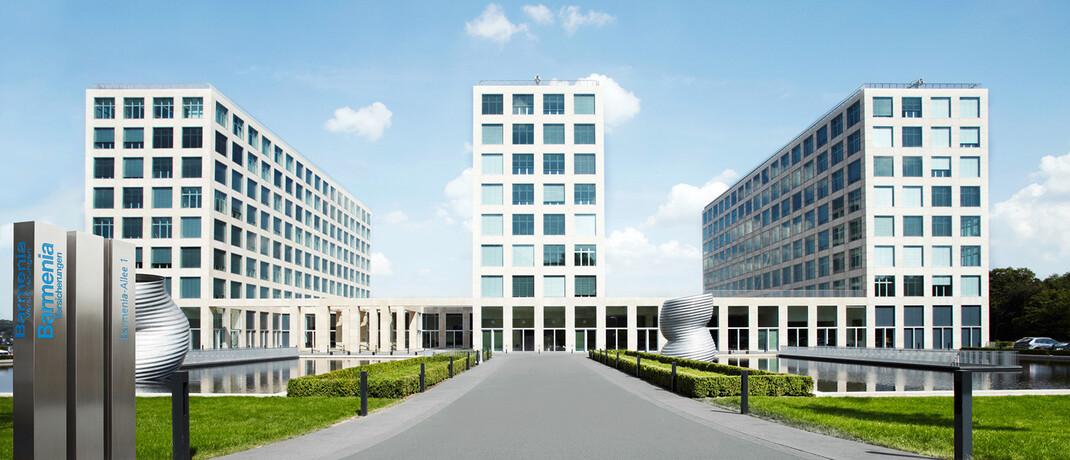Barmenia-Hauptverwaltungen in Wuppertal: Laut einem aktuellen Urteil hat der private Krankenversicherer seine Beitragserhöhungen nicht hinreichend begründet, erklärt Rechtsanwältin Eva Birkmann.