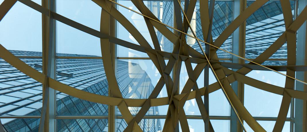 Zentrale in Frankfurt: Die Deutsche Bank könnte beim Vertrieb von Versicherungen auf die Allianz setzen. Über entsprechende Spekulationen berichtet  die Nachrichtenagentur Bloomberg. Bisheriger Produktpartner ist die Zurich.