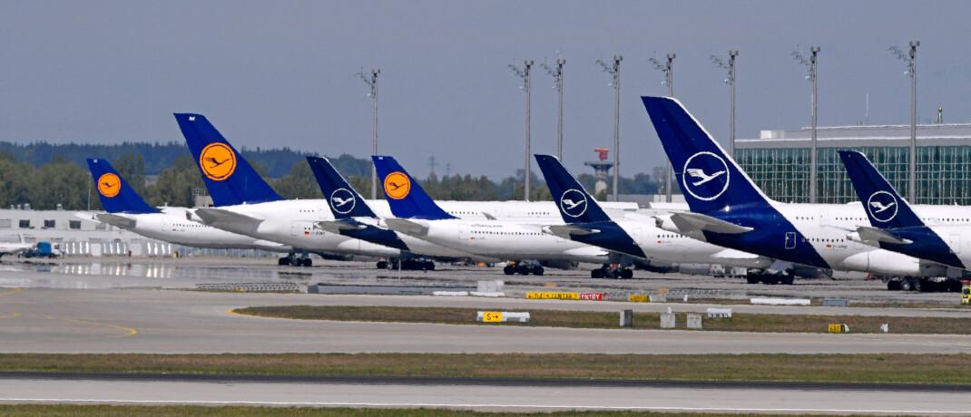 Lufthansa-Maschinen auf dem Flughafen München: Fluggesellschaften leiden besonders stark unter der Corona-Krise.|© imago images / MiS