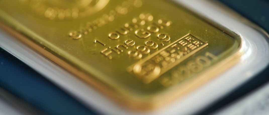 Goldbarren in einer Händlerauslage.