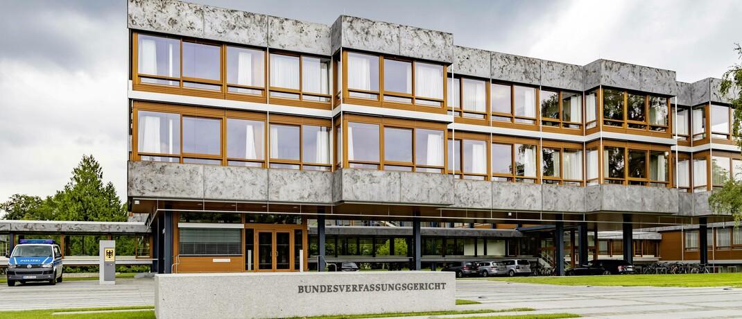 Bundesverfassungsgericht: Die Karlsruher Richter beurteilen die aktuelle Sonderregelung zur Teilung von Betriebsrenten nach einer Scheidung als grundsätzlich verfassungsgemäß.
