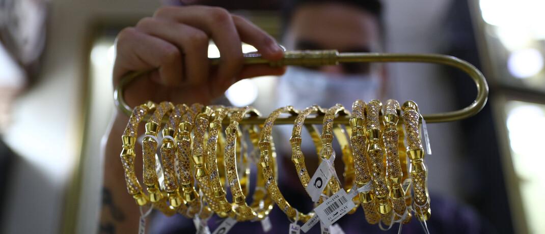Goldschmuck in einem Laden: Das Edelmetall ist in Krisen begehrt.