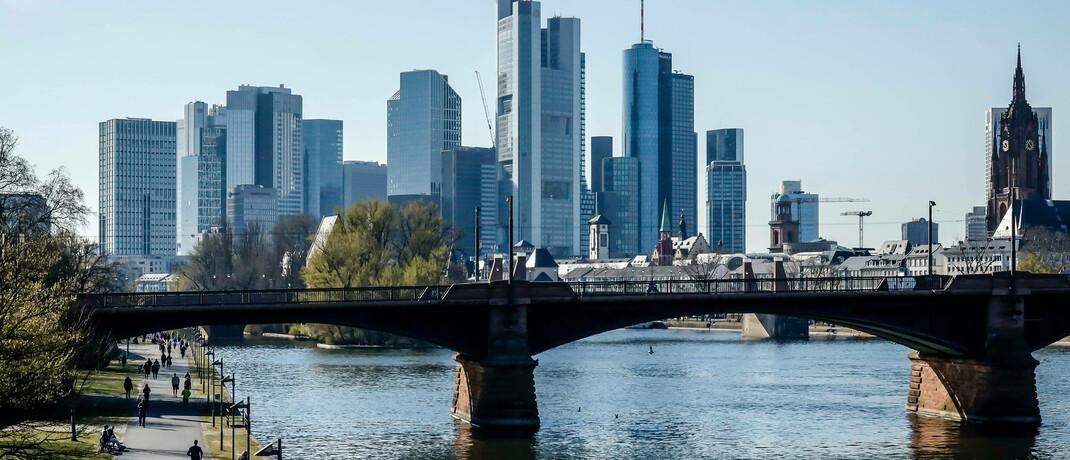 Skyline des Bankenviertels in Frankfurt am Main: Eine günstige Zeit für Investitionen in CoCo-Anleihen. |© imago images / Rupert Oberhäuser