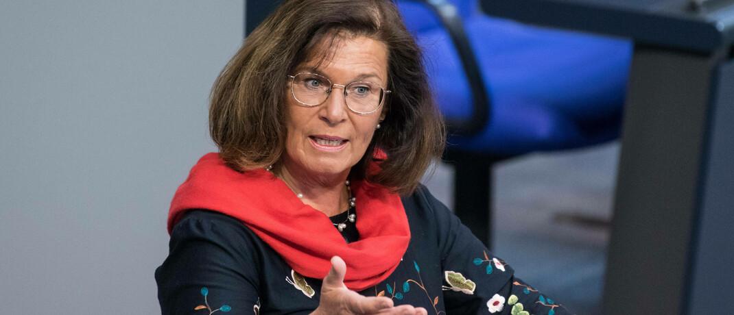 CDU-Abgeordnete und finanzpolitische Sprecherin der CDU/CSU-Fraktion Antje Tillmann: Beim Thema Bafin-Aufsicht für 34f- und 34h-Berater gibt es noch Unklarheiten.|© imago images / Christian Spicker