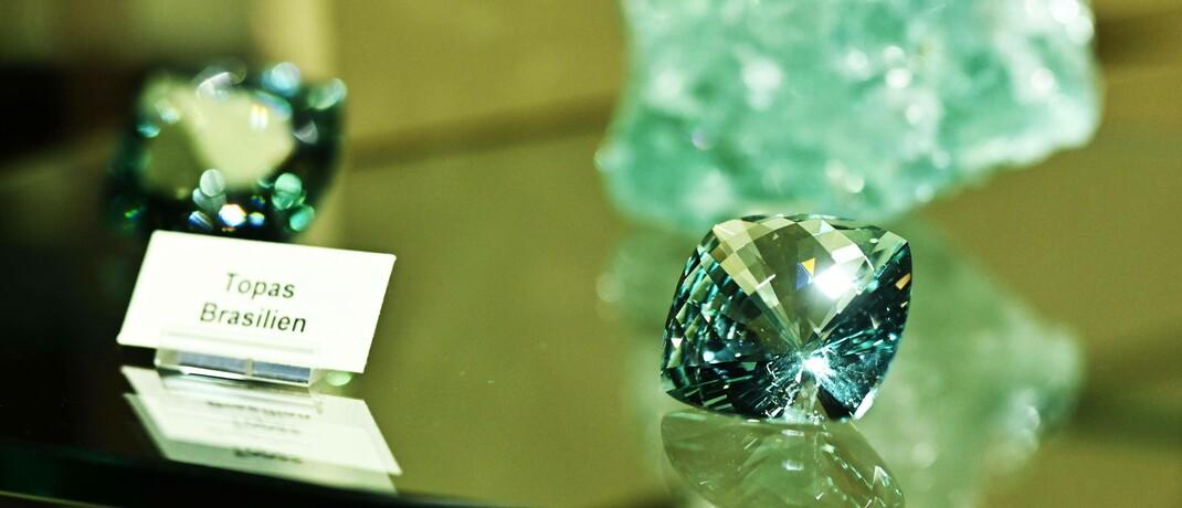 Exponate in einem Edelsteinmuseum: Per Token lässt sich auch in exotische Vermögenswerte investieren.
