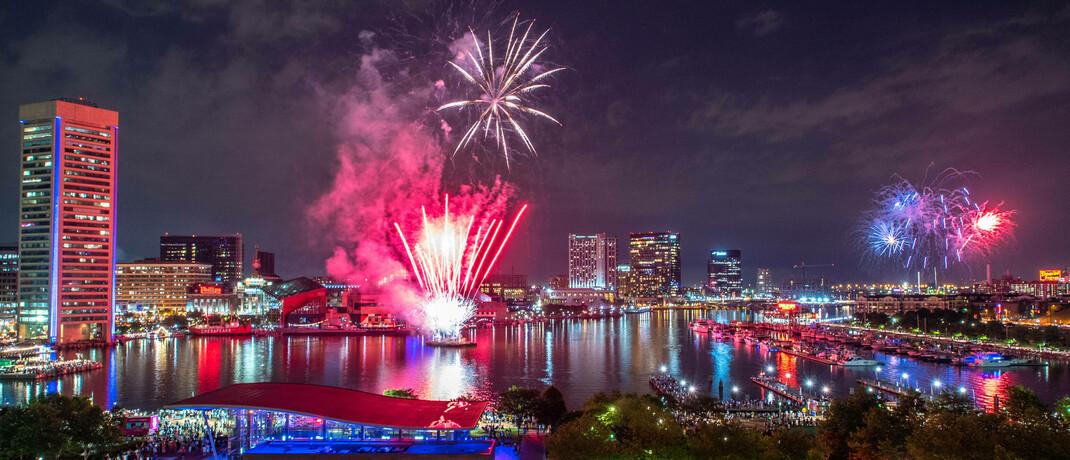 Feuerwerk über Baltimore, USA: Der amerikanische Jobreport sorgt für ein Kursfeuerwerk an den Börsen.