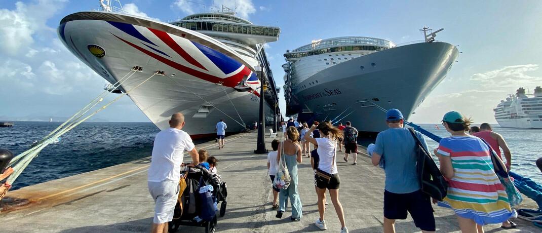 Kreuzfahrtschiffe in der Karibik: Sobald Impfstoffe zur Verfügung stehen, ist ein kräftiger Aufschwung im Tourismussektor zu erwarten.