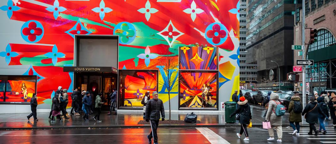 Filiale eines Edellabels in New York: Die Fondsmanager Stefan Gries und David Tobey haben die Marktverwerfungen genutzt und zuletzt unter anderem eine Position im Luxusgütersegment aufgebaut.|© imago images / Levine-Roberts