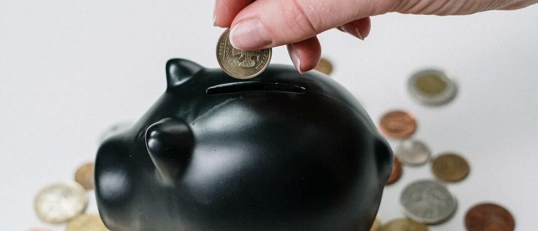 Sparschwein: Wenn künftig der Solidaritätszuschlag für die große Mehrheit der deutschen Steuerzahler entfällt, wollen viele Verbraucher ihre Altersvorsorge stärken.|© Foto von cottonbro von Pexels