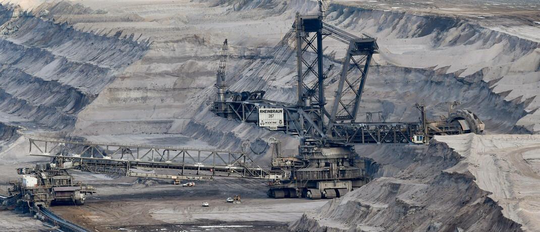 Braunkohletagebau am Hambacher Forst: Die deutsche Kohlekommission schätzt, dass allein in Deutschland 60.000 Arbeitsplätze direkt beziehungsweise indirekt vom Einsatz von Kraftwerkskohle abhängig sind.