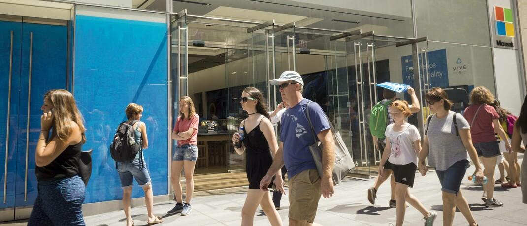 Microsoft-Geschäft in New York: Unternehmen mit einer guten Positionierung gegenüber ihren Wettbewerben sind für den neuen Vaneck Wide Moat ETF interessant. |© imago images / Levine-Roberts