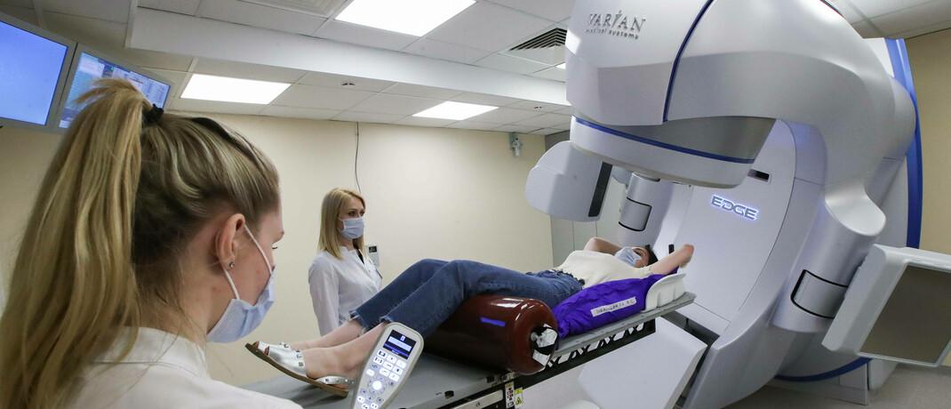 Schonendes Verfahren der Krebsdiagnose: Durch technologischen Fortschritt sind heute Behandlungsansätze möglich, die noch vor wenigen Jahren undenkbar waren.|© imago images / ITAR-TASS